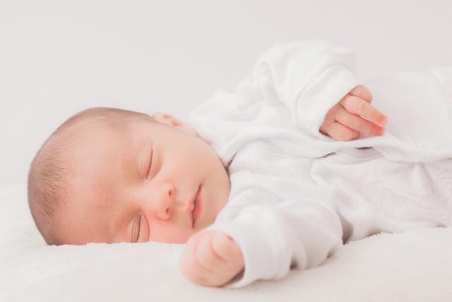 赤ちゃんに枕は不要